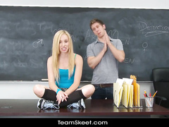 Blonde got fucked up hard in the classroom