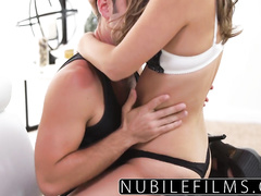 Brown haired sweetie pleasures passionate hot fuck